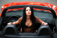 La fille dans la voiture Image libre de droits