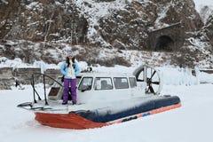 La fille dans un aéroglisseur Image libre de droits