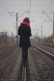 La fille et la route Photo stock