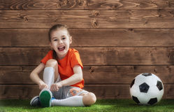 La fille joue au football photos stock inscription gratuite - Fille joue au foot ...