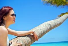 La fille sur la plage Images stock