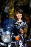 La fille sur une moto Images libres de droits