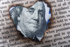 La fin de Benjamin Franklin font face sur le dollar US Image stock