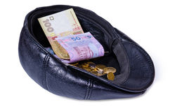 La fine di cuoio girata della protezione in su con soldi Fotografia Stock