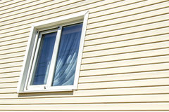 La finestra di una casa privata Fotografia Stock