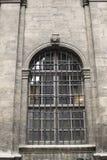 La finestra di vecchia chiesa Fotografia Stock