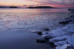La Finlandia: Tramonto di inverno Fotografie Stock Libere da Diritti