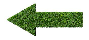 La flèche faite à partir du vert part sur le fond blanc 3d rendent Photographie stock
