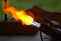 La flamme du souffleur de verre photographie stock libre de droits