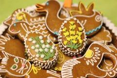 Galletas del pan de jengibre de Pascua Fotografía de archivo libre de regalías