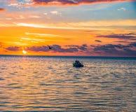 La Florida cierra salida del sol del barco de pesca de Islamorada Foto de archivo libre de regalías