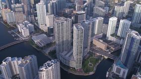 La Florida Miami julio de 2017 aéreo Sunny Day 4K inspira 2 almacen de video
