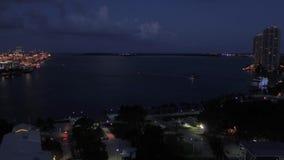 La Florida Miami la noche aérea 4K de julio de 2017 inspira 2 metrajes