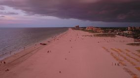 La Florida Tampa la puesta del sol aérea 4K de julio de 2017 inspira 2 almacen de metraje de vídeo