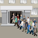 La folla degli uomini sta prendparteendo alle porte della costruzione illustrazione di stock