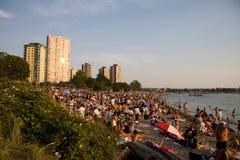 La folla multiculturale si riunisce al tramonto, Vancouver Fotografia Stock Libera da Diritti
