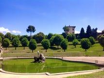 La fontaine de Neptune et le belvédère de forte, Florence Photos stock