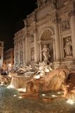 La fontaine de TREVI (Italien : Fontana di Trevi) Photo stock
