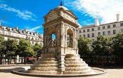 La fontana degli innocenti a Parigi, Francia fotografie stock