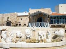 La fontana di Giaffa con le sculture di zodiaco firma 2011 Immagine Stock Libera da Diritti