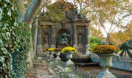 La fontana di Medici, Lussemburgo fa il giardinaggio, Parigi, Francia Fotografia Stock Libera da Diritti