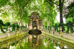 La fontana di Medici, Parigi, Francia Fotografie Stock Libere da Diritti