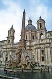 La fontana di quattro fiumi a Roma, Italia fotografia stock