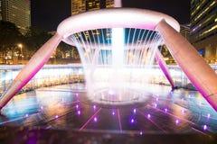 La fontana di ricchezza è più grande e più alta fontana alla torre di Suntec a Singapore Fotografia Stock Libera da Diritti