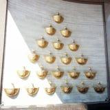La fontana dorata della cascata Fotografie Stock Libere da Diritti