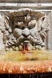 La fontana nella villa Borghese fa il giardinaggio, Roma, Italia Immagini Stock
