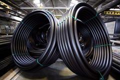 La fontanería instala tubos, la industria, fabricación de tubos Imagen de archivo libre de regalías