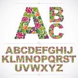 La fonte floreale, lettere capitali dell'alfabeto di vettore disegnato a mano decora Fotografia Stock