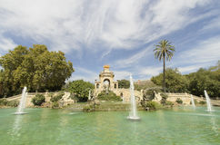 La fonte precipita a cascata il parco di Ciutadella Fotografia Stock