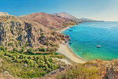 La foresta e la spiaggia della palma dalla montagna completano Fotografie Stock