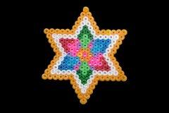 La forma abstracta colorida de gotas plásticas juntó las piezas por el niño Imágenes de archivo libres de regalías