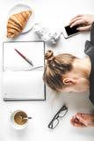 La forma de vida cansó mofa de la opinión superior de la mujer de negocios para arriba Fotos de archivo