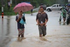 La forma de vida de la gente en la inundación masiva Imagenes de archivo