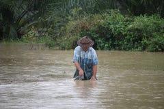 La forma de vida de la gente en la inundación masiva Imágenes de archivo libres de regalías