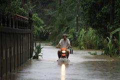 La forma de vida de la gente en la inundación masiva Foto de archivo libre de regalías