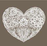 La forma del cuore è fatta del centrino del pizzo, elemento per Val Fotografie Stock