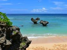 La forma del cuore oscilla alla spiaggia dell'isola di Kouri, Okinawa Fotografia Stock