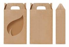 La forma di foglie marrone della finestra della scatola ha tagliato il modello d'imballaggio, fondo bianco isolato cartone vuoto  Fotografia Stock