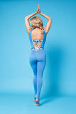 La forma sexy del corpo di forma fisica dei pilates di yoga di sport della donna di bellezza copre Fotografie Stock Libere da Diritti