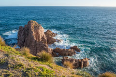 La formación de roca de los pináculos en el puesto de observación de Woolamai del cabo en Phillip Island, Melbourne, Australia Foto de archivo libre de regalías
