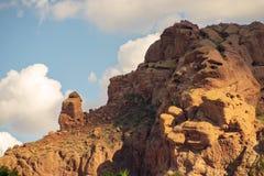 La formación de roca de rogación del monje, Phoenix, AZ imagen de archivo libre de regalías