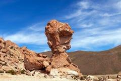 La formation de roche a appelé Copa del Mondo ou coupe du monde dans l'altiplano de Bolivean - département de Potosi, Bolivie photo libre de droits