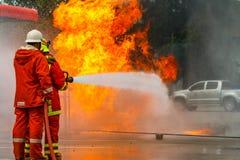 La formation du sapeur-pompier pompier photo libre de droits