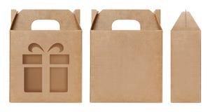 La forme brune de fenêtre de boîte a coupé le calibre d'emballage, fond blanc d'isolement par carton vide de boîte de papier d'em photographie stock