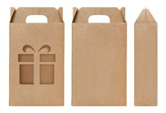 La forme brune de fenêtre de boîte a coupé le calibre d'emballage, fond blanc d'isolement par carton vide de boîte de papier d'em photo libre de droits