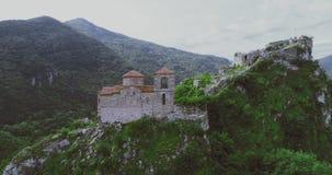 La fortaleza del ` s de Asen en Asenovgrad Plovdiv Bulgaria almacen de metraje de vídeo